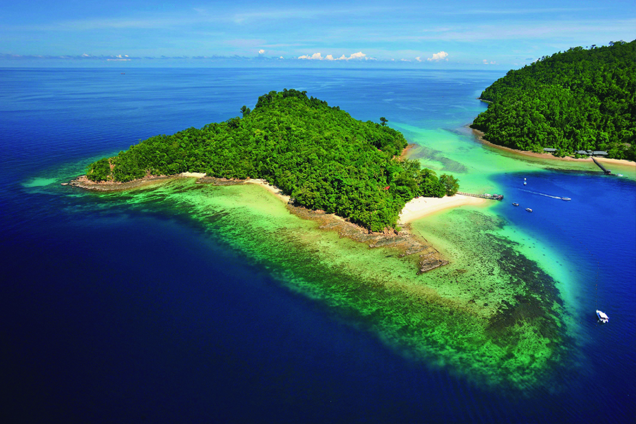 キナバル山を臨み 海とジャングルを楽しめるガヤ島-世界の旅Vol.169-