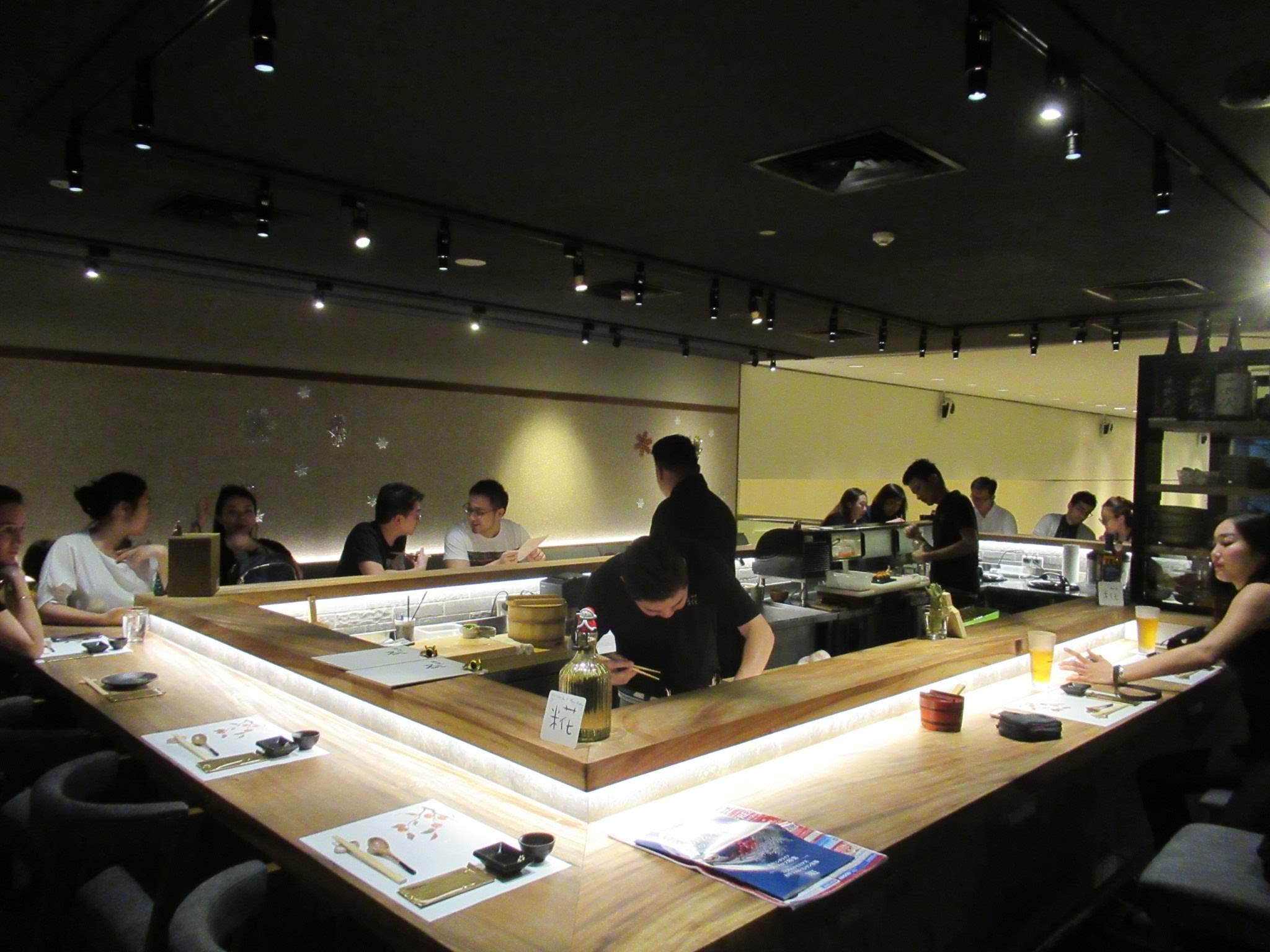厳選日本食材の和食と寿司。シンガポールのデートならKoji sushi Bar