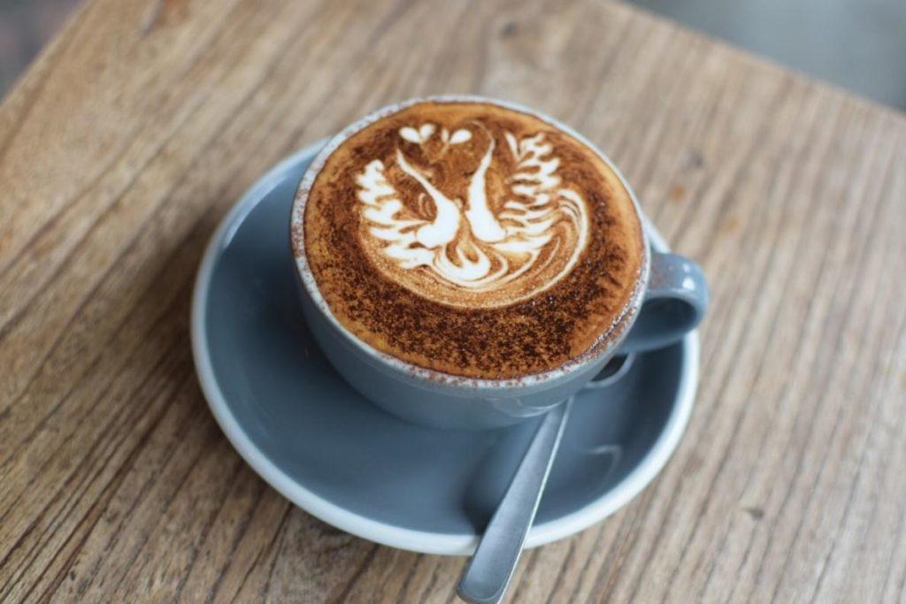 こだわりのコーヒーとサイドディッシュを堪能できる、おすすめのシンガポールカフェ7選!