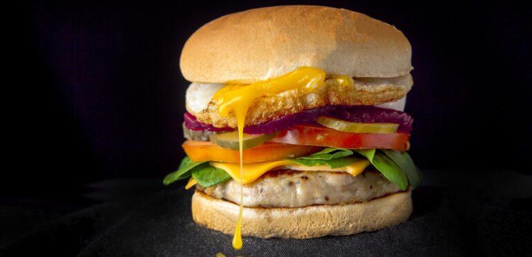 シンプル?いえいえ、手間のかかった本格派バーガーです!SIMPLEburger