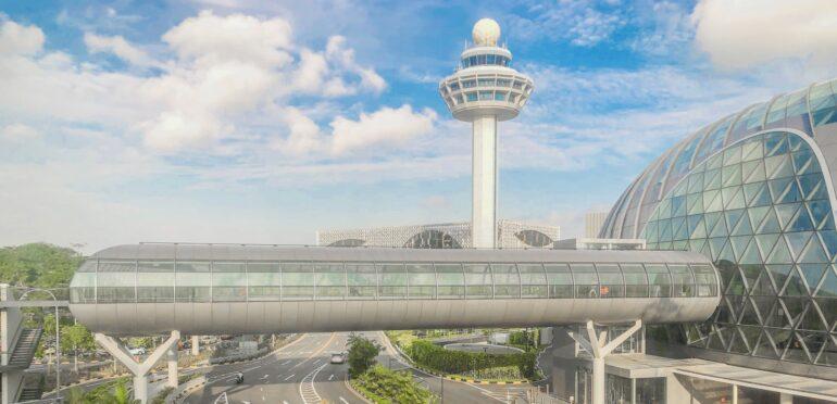 シンガポールのチャンギ国際空港のターミナルとジュエルが5月13日から一時封鎖、一般人の立ち入りを禁止