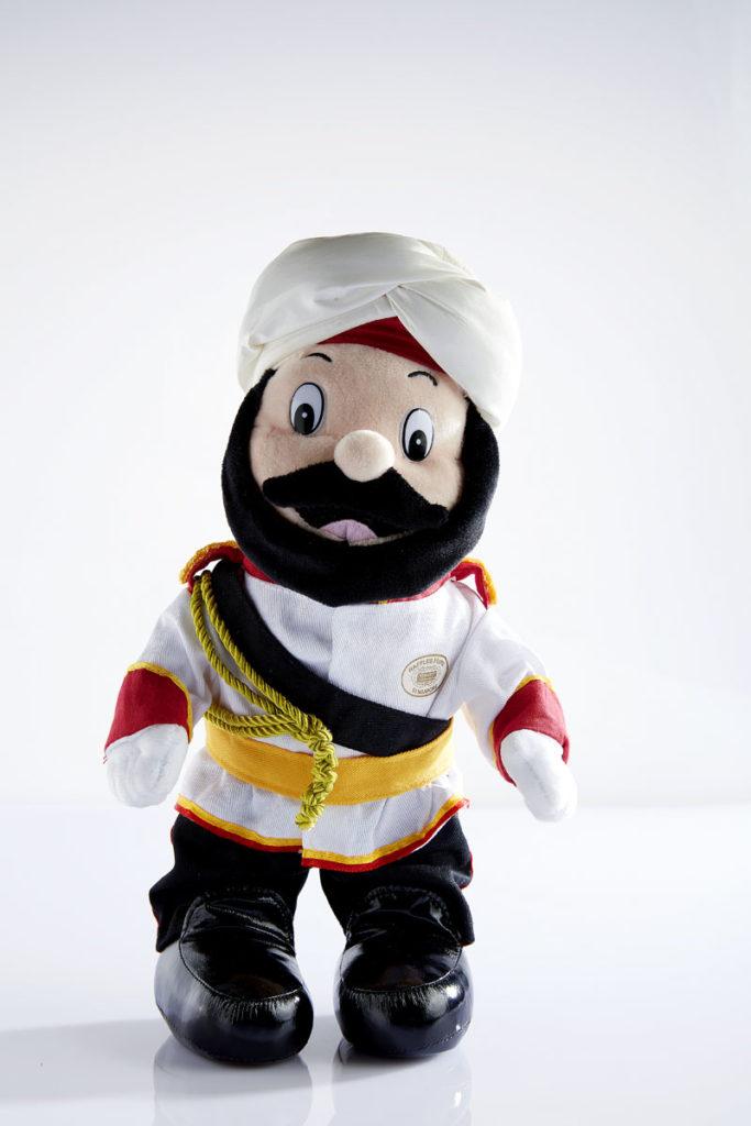 ラッフルズホテルのインド人のドアマンの人形