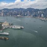 シンガポールと香港間、隔離措置なしで往来が可能に 「トラベルバブル」に合意